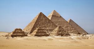 800px-All_Gizah_Pyramids-2